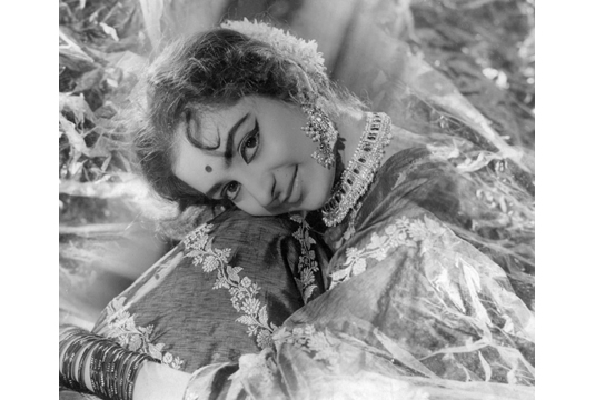 wi08ss38-portrait-of-the-actress-saira-banu-c-1965
